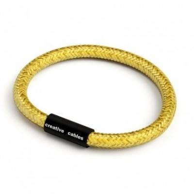 Pulsera con cierre magnético negro mate y cable RM31