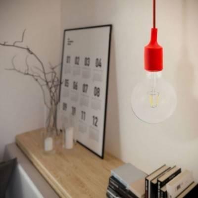 Lámpara colgante hecha en Italia con cable textil, bombilla y acabados de silicona