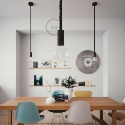Lámpara colgante hecha en Italia con cable náutico 2XL 24 mm con acabados de madera barnizada y bombilla