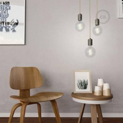 Lámpara colgante hecha en Italia con cable textil y portalámparas de aluminio moleteado