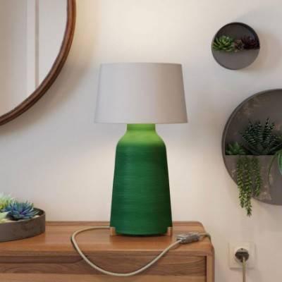 Lámpara de sobremesa Bottle de cerámica con pantalla Athena, completa con cable textil, interruptor y clavija de 2 polos